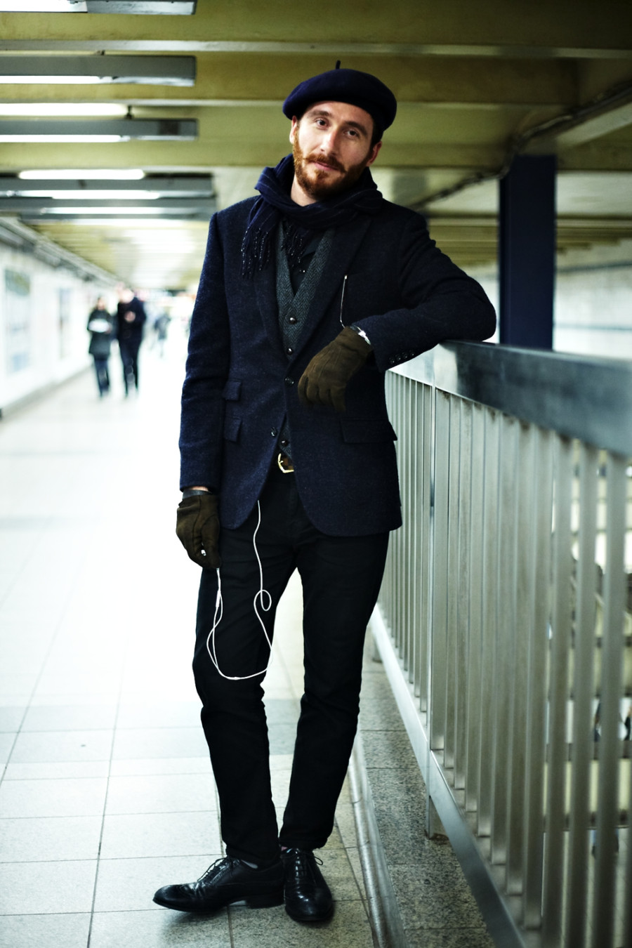 引用:http://street-fashion-snap.com/post/37586172886/dapprly-a-little-french-touch-to-a-layered